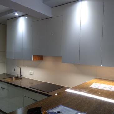 Montaż szkła w kuchni